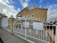 South facing detached villa with garage and private pool