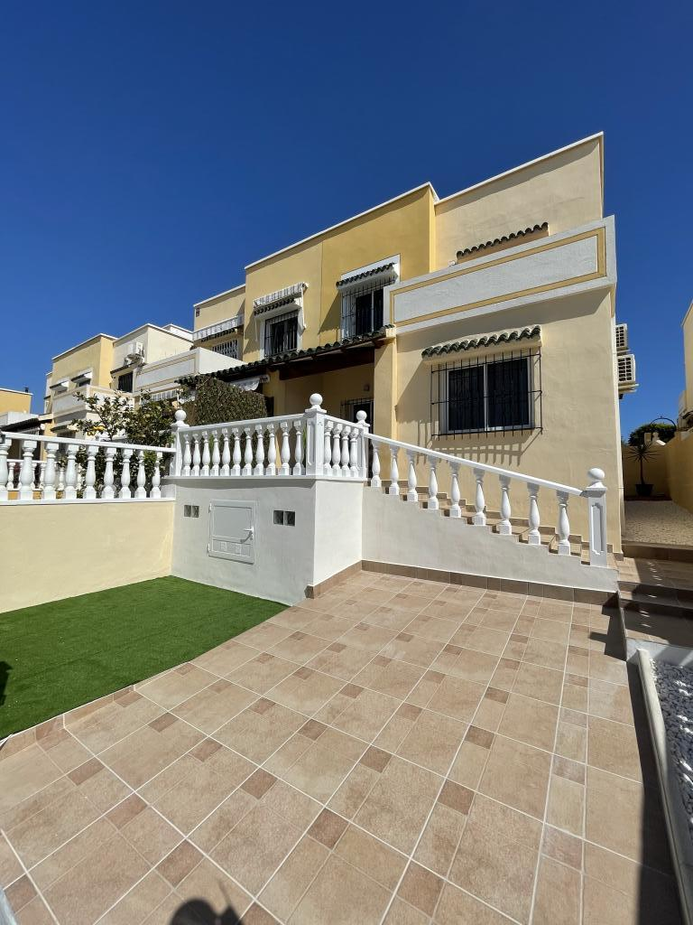 3 bedroom Semi-detached house in Orihuela Costa